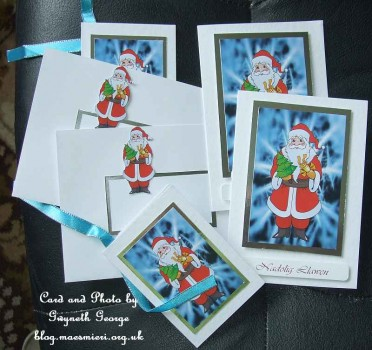 cup233965_33 - card01C - Santa Standing Toppers