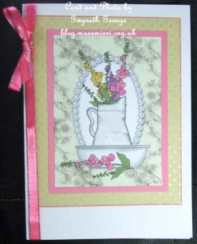 cup284461_539 - card01 - 4 Beautiful flower basin toppers